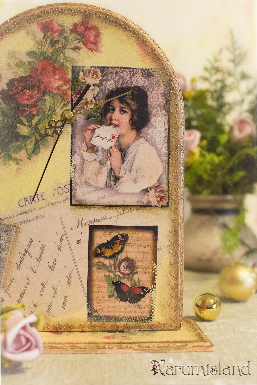 Ceas de masa cu trandafiri si scrisori