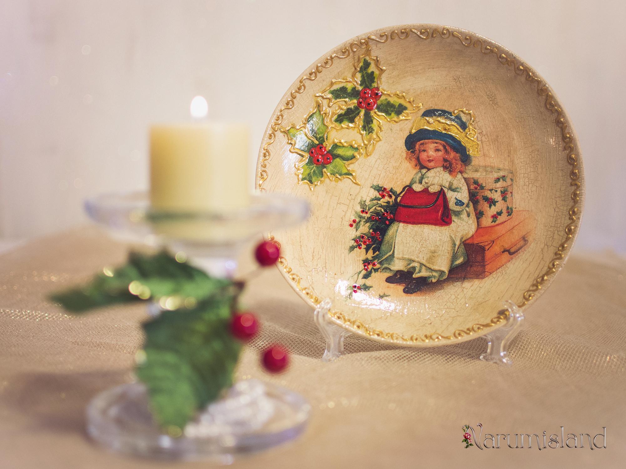 Farfurie decorativa cu fetita cu ilex