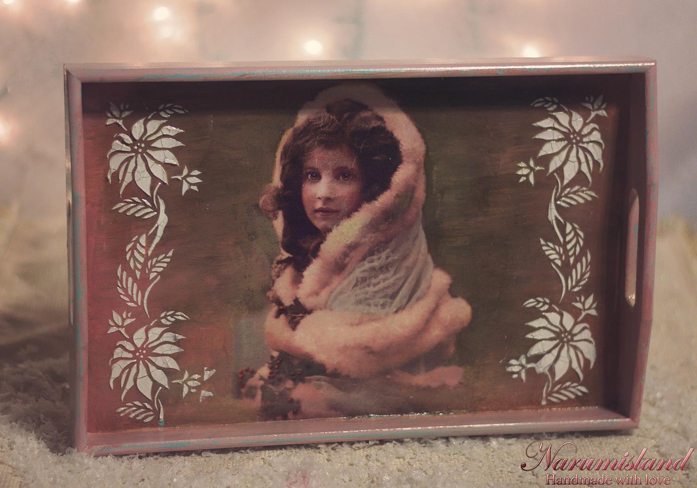 Tava Cu Motive Vintage-fetita, Cu Flori Tridimensionale