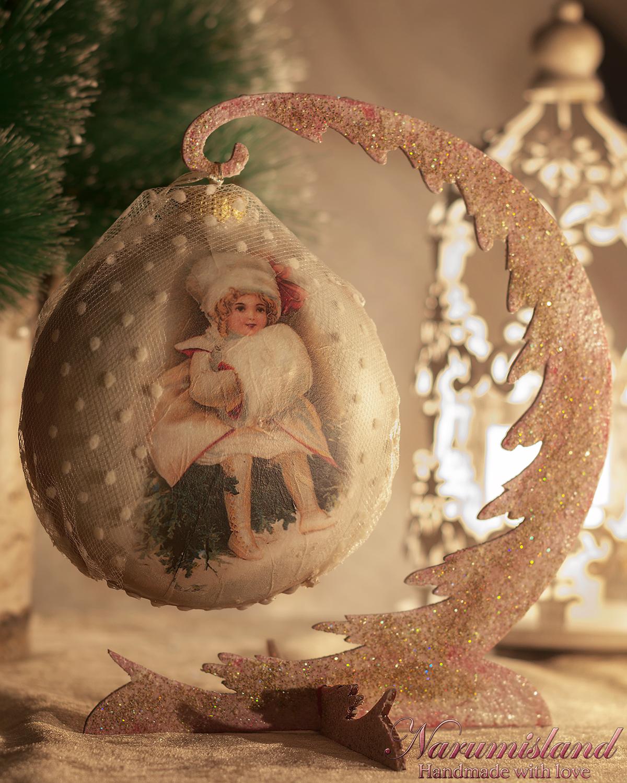 Ornament Craciun Cu Motiv Vintage, Realizat Cu Tehnica Decoupage, Efecte 3D, Lacuire, Voal Decorativ