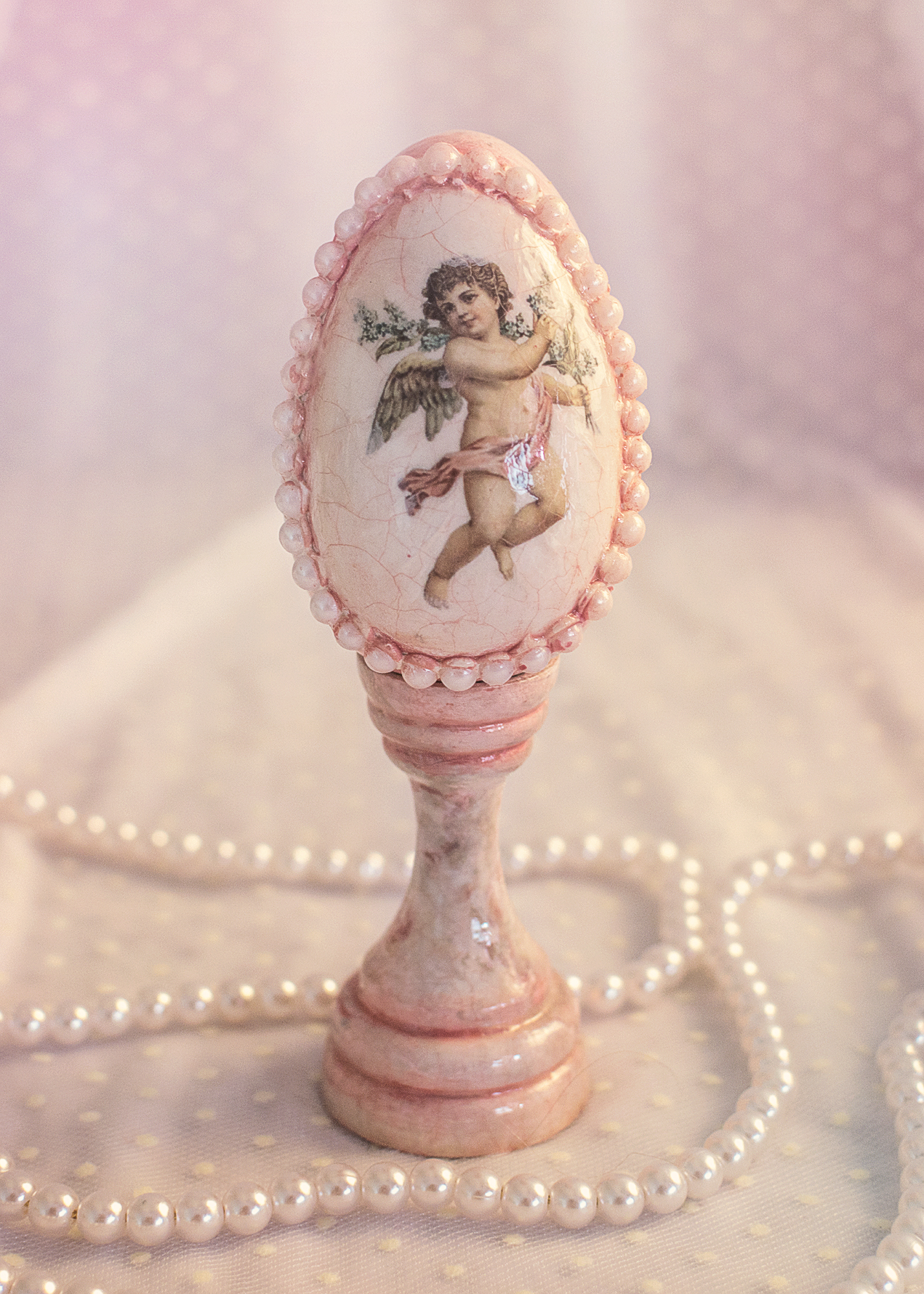 Ou Decorativ Cu Perle Si Ingeras