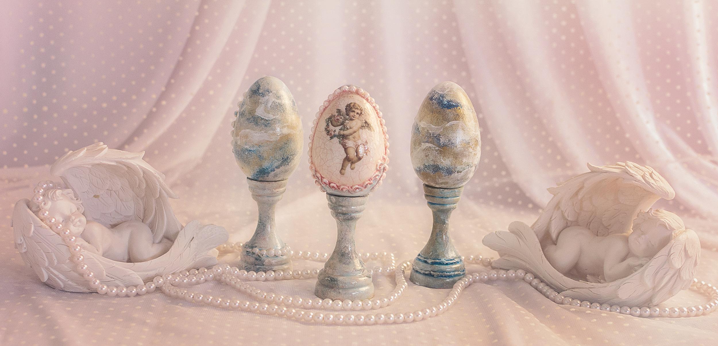 Ou Decorativ Bleu Cu Roz, Aspect De Marmura Si Perlute, Cu Suport