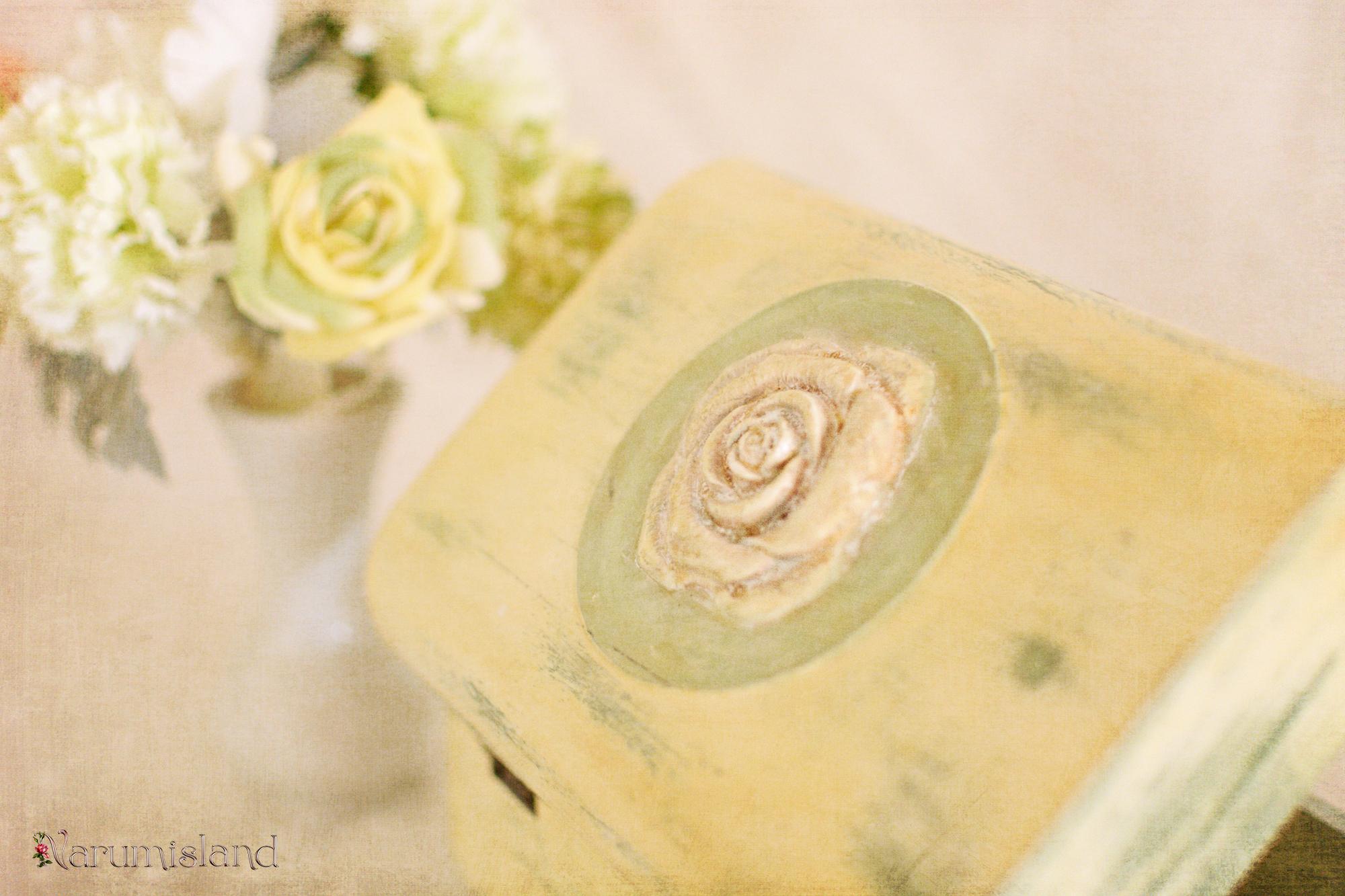 Detaliu Ornament 3D, Trandafir; Cutie Verde Cu Alb, Shabby