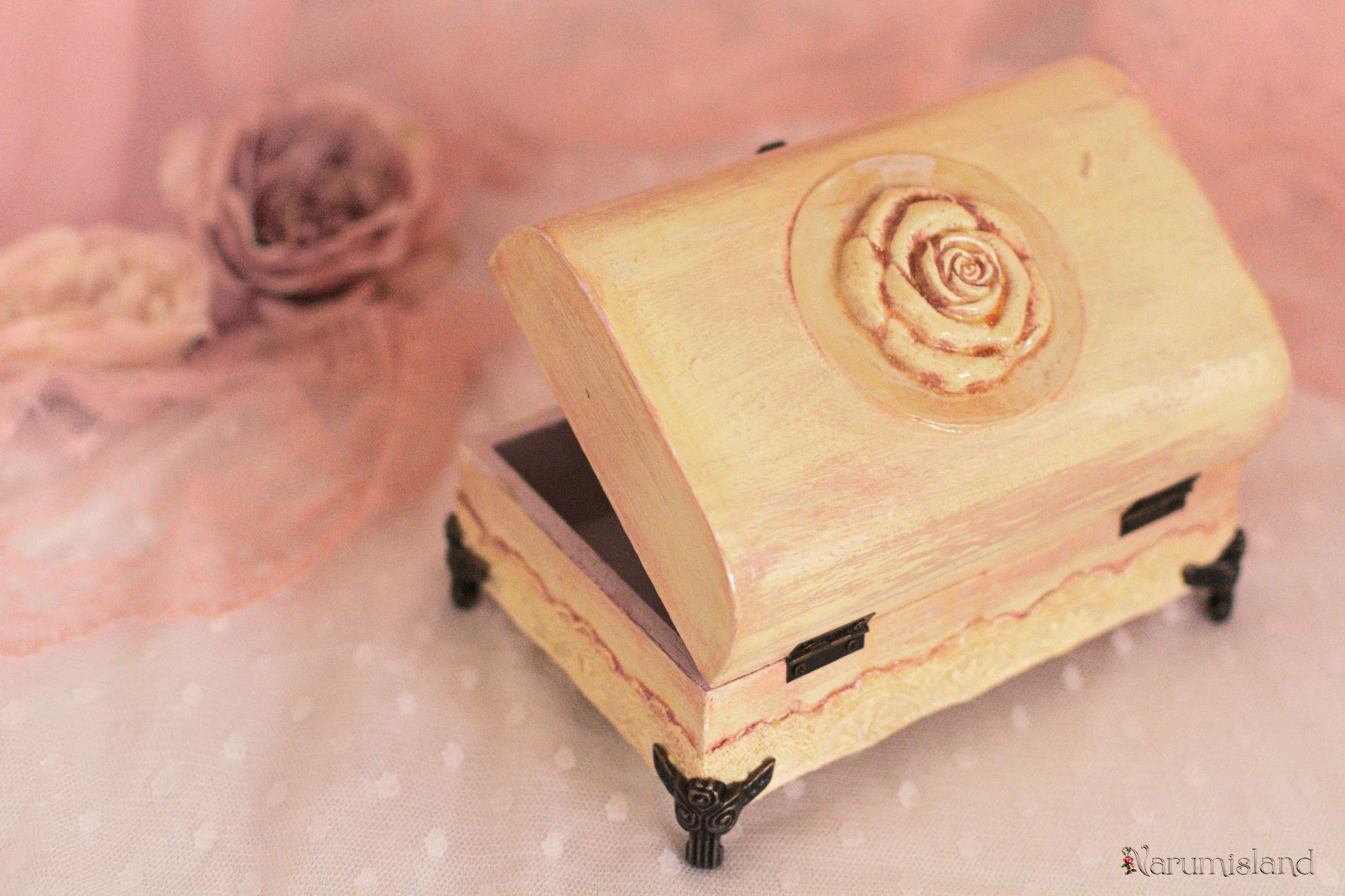 Cufar Cu Ornament 3d, Trandafir Si Picioare Metalice