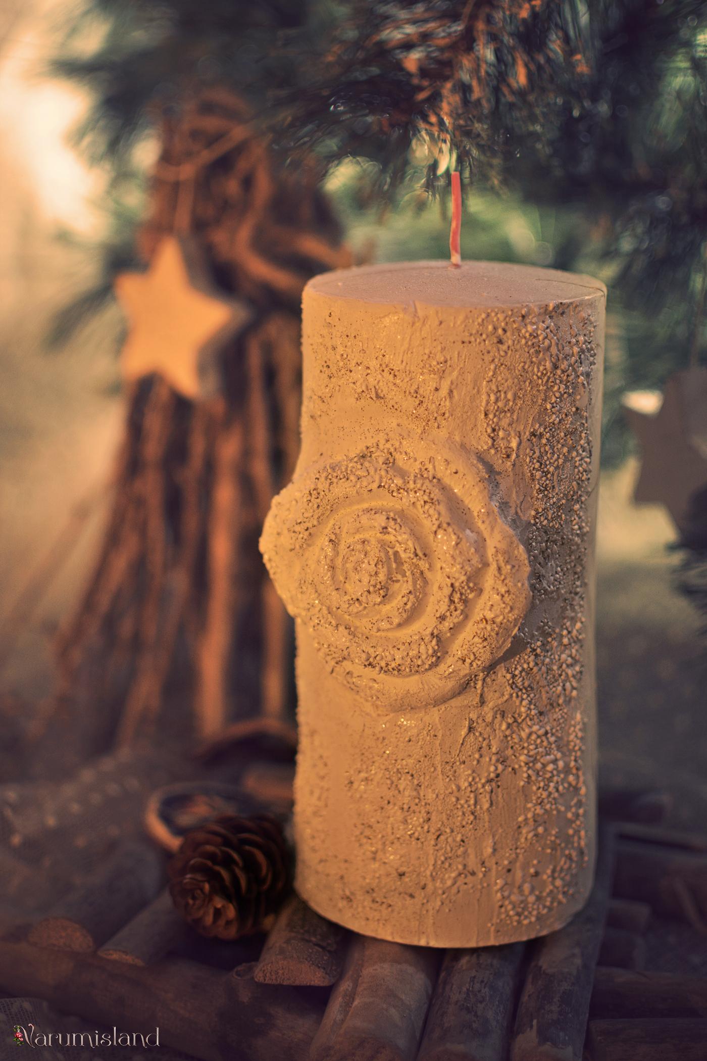 Lumanare Cu Trandafir Finisata Cu Tehnici De Embosare