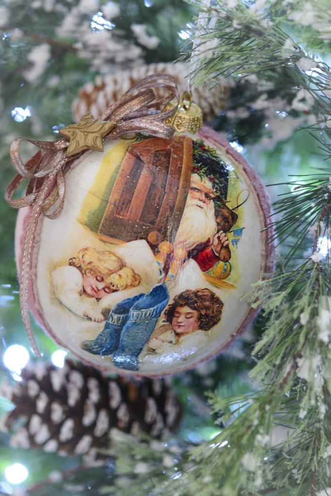 Glob 15 cm cu Santa si copilasi-stil vintage