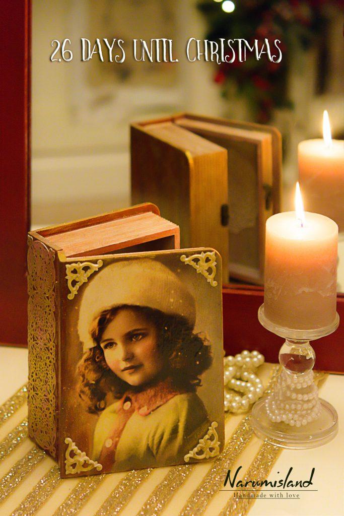 cutie carte mare cu dantela si fetita vintage