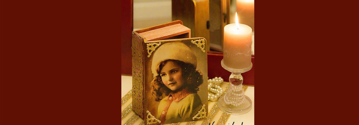 Cutii carti romantice cu fetite  vintage