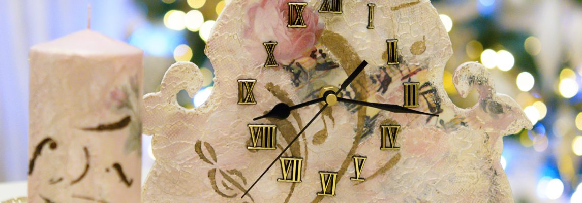 Ceasuri cu dantela si trandafiri